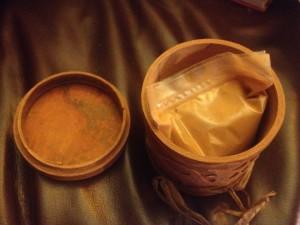 cinnamon in a cinnamon box